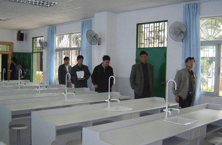 普通化学实验室设备